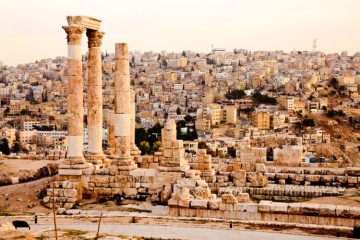 temple of hercules on the citadel in amman jordan