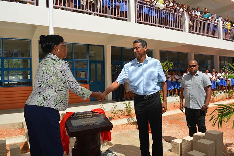 Seychellois President, Danny Faure03