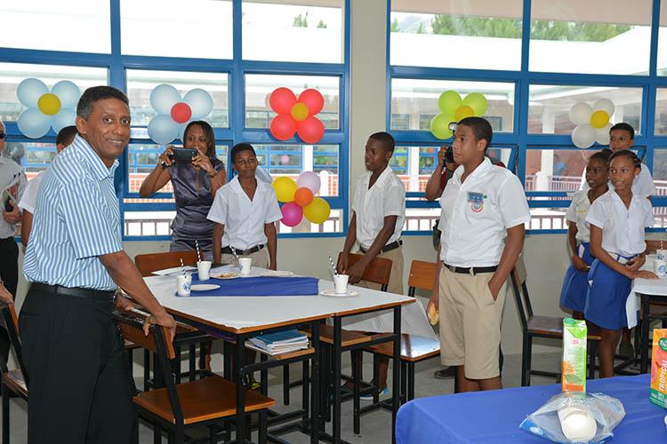 Seychellois President, Danny Faure04