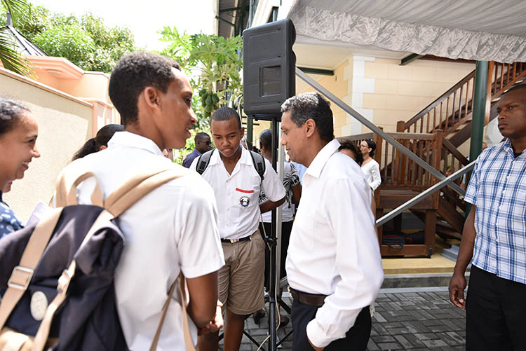 Seychellois President, Danny Faure08